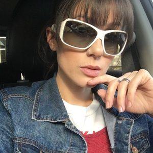 ⬇️$500 😎Prada sunglasses spring 09' 🌴